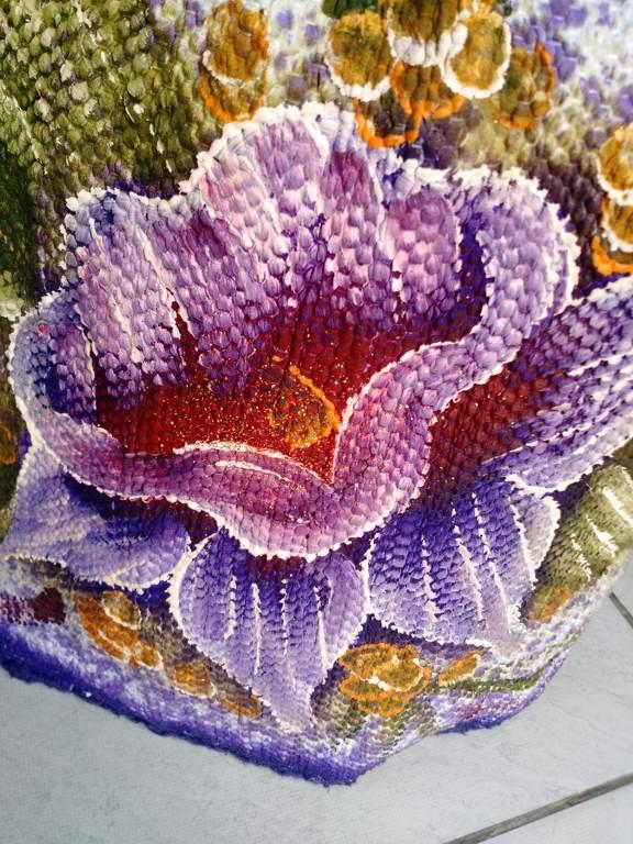 Capa para botijão de gás roxa com flor e croche 5