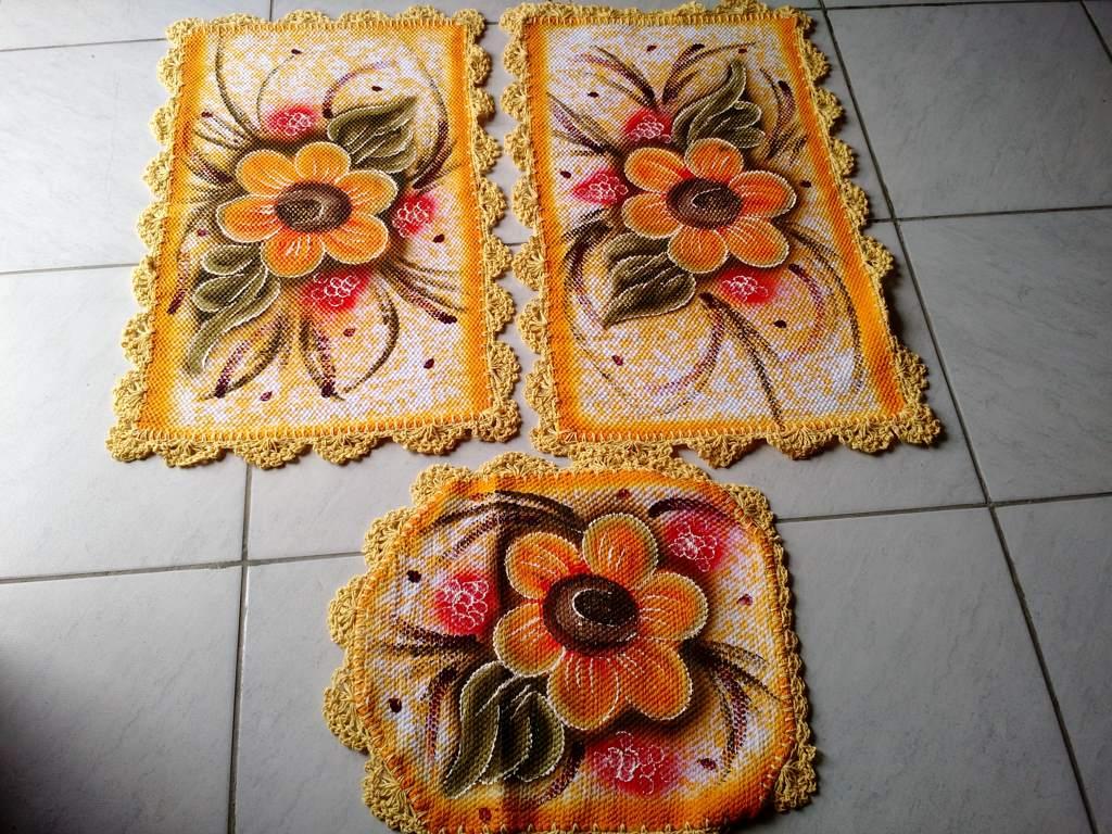 Jogo de tapete para banheiro floral amarelo 3 peças 2