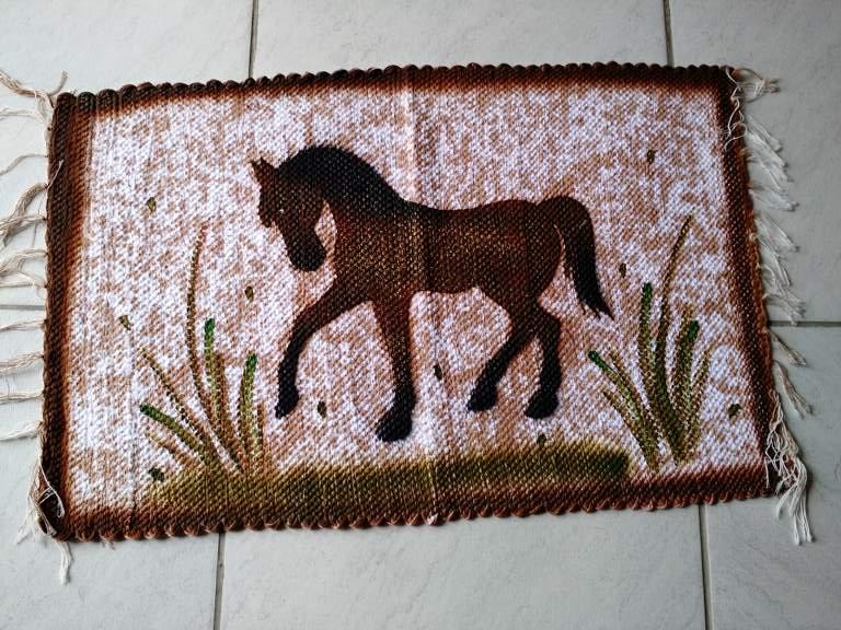 Tapete animal pequeno cavalo 1