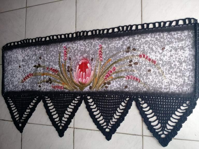 Bando de cortinas de croche preto com flor 3