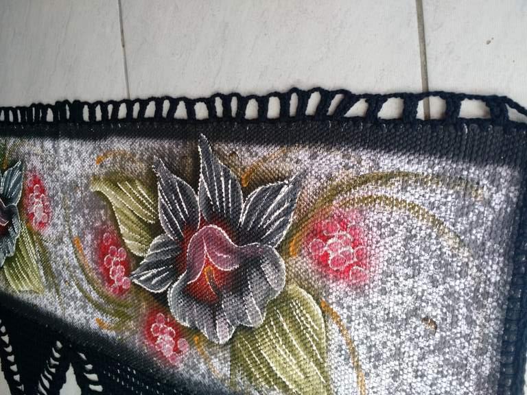 Bando de cortinas de croche preto com flor 5