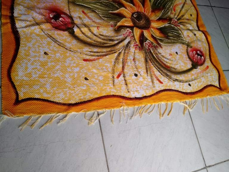 detalhe meia manta amarela