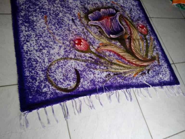Tapete grande roxo florido (meia manta roxa com duas flores) 1