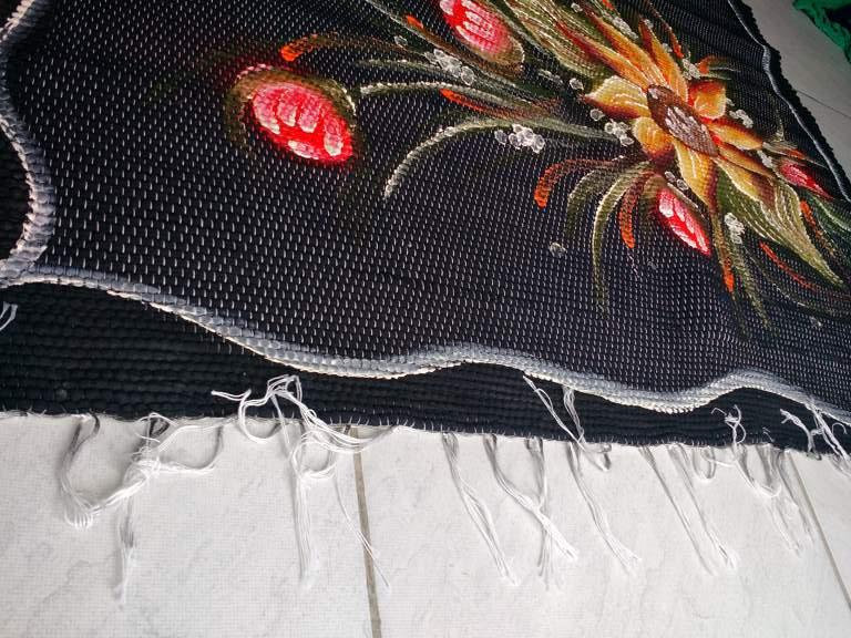 Tapete médio preto florido 1