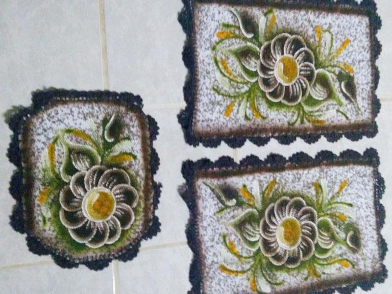 Jogo de banheiro pintado 3 peças com flor marrom 1