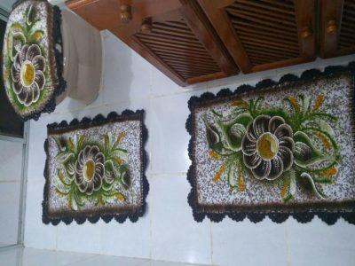 jogo de banheiro pintado 3 peças com flor marrom