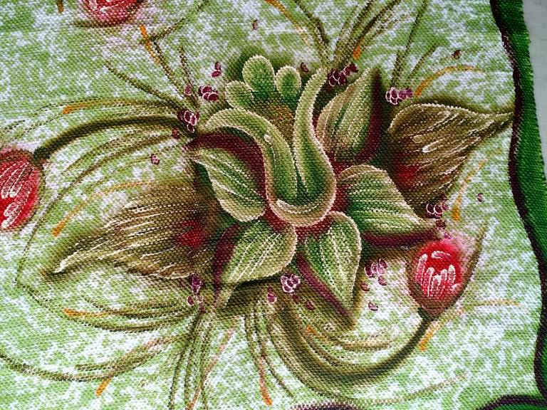 Tapete medio verde com duas flores 5