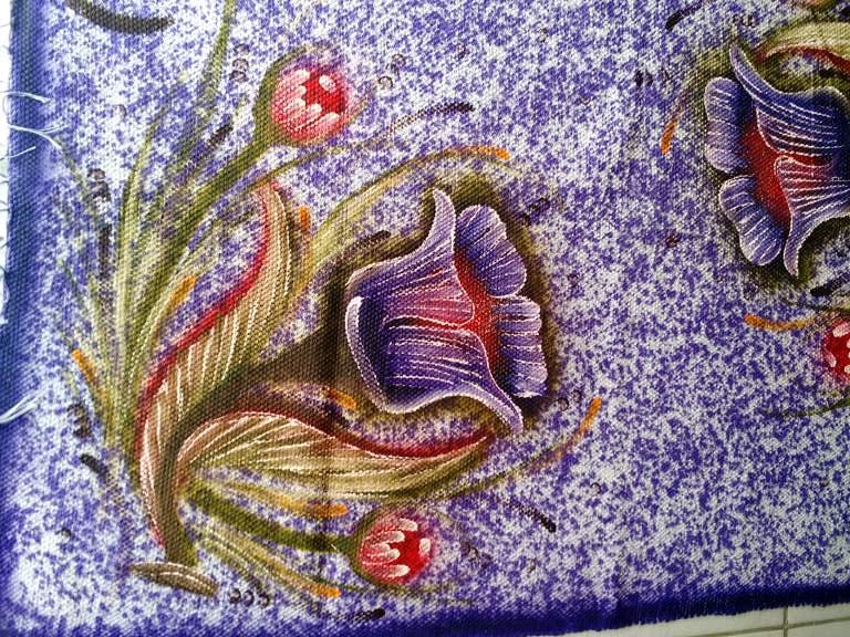 Tapete grande roxo florido (meia manta roxa com duas flores) 3