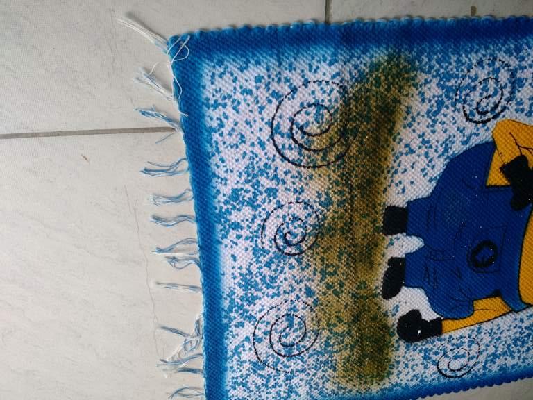 Tapete azul com personagem infantil dos Minions 5