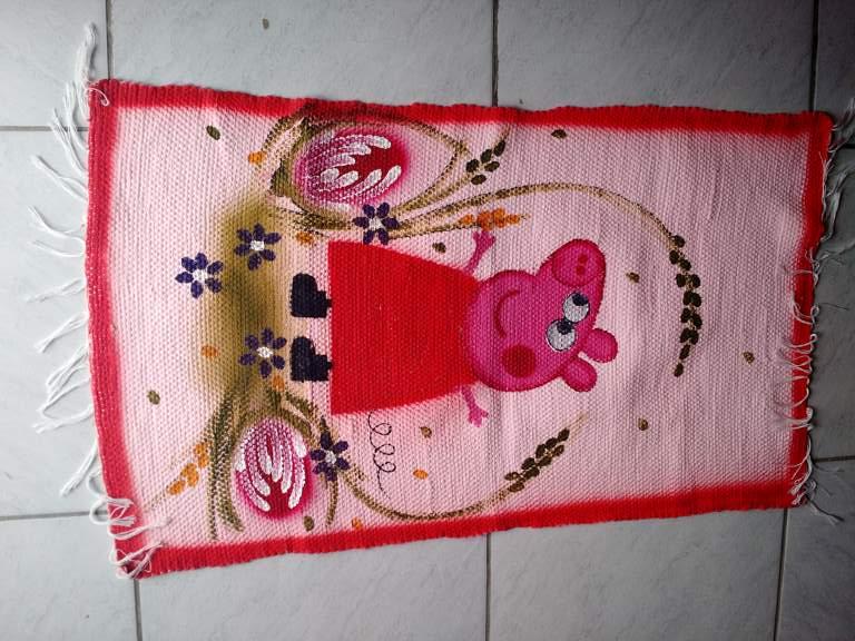Tapete infantil rosa com peppa pig 1
