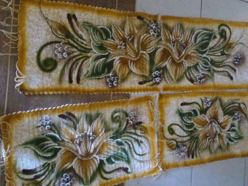 Jogo de Tapetes para Cozinha 3 Peças Amarelo e Florido